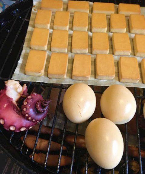 チーズ・タマゴ・タコの燻製